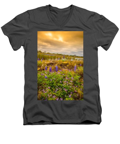 Zapata Falcon Lake 2 Men's V-Neck T-Shirt