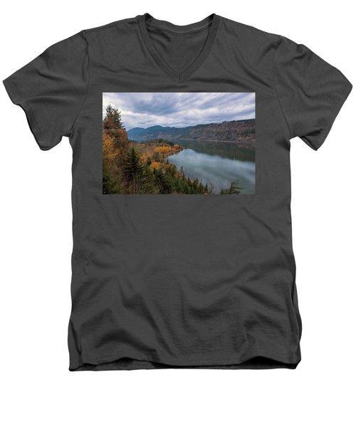 Fall Color At Ruthton Point In Hood River Oregon Men's V-Neck T-Shirt