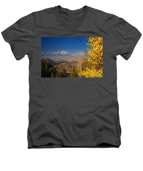 Fall Colors At The Snake River Overlook Men's V-Neck T-Shirt by Sam Antonio Photography