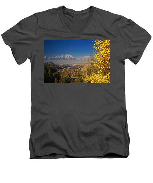 Fall Colors At The Snake River Overlook Men's V-Neck T-Shirt