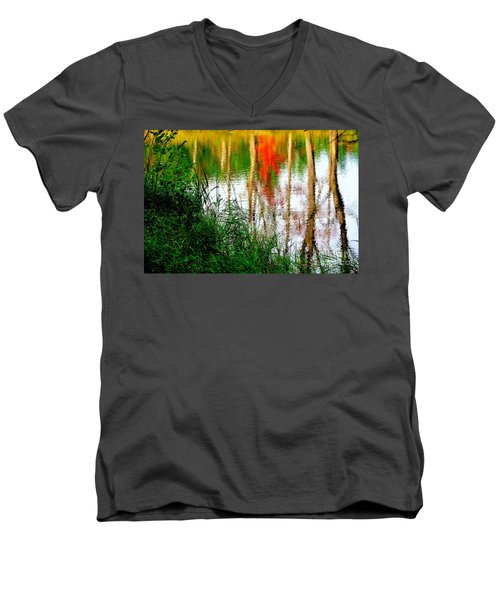Men's V-Neck T-Shirt featuring the photograph Fall Reflections by Elfriede Fulda