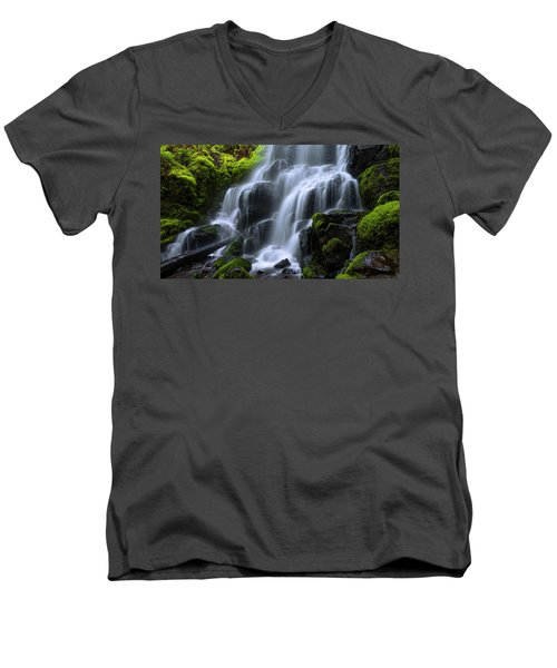 Men's V-Neck T-Shirt featuring the photograph Falls by Chad Dutson