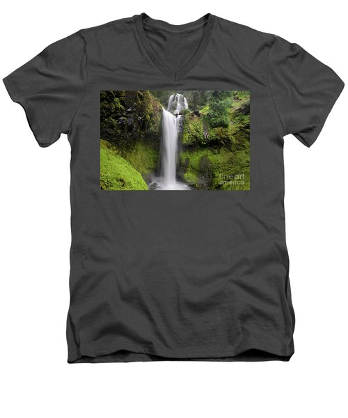 Falls Creek Falls In Washington  Men's V-Neck T-Shirt
