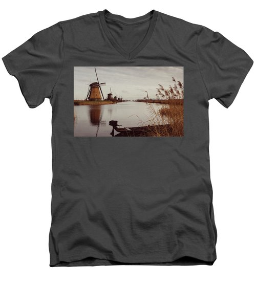 Famous Windmills At Kinderdijk, Netherlands Men's V-Neck T-Shirt