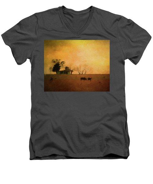 Farm Life Men's V-Neck T-Shirt