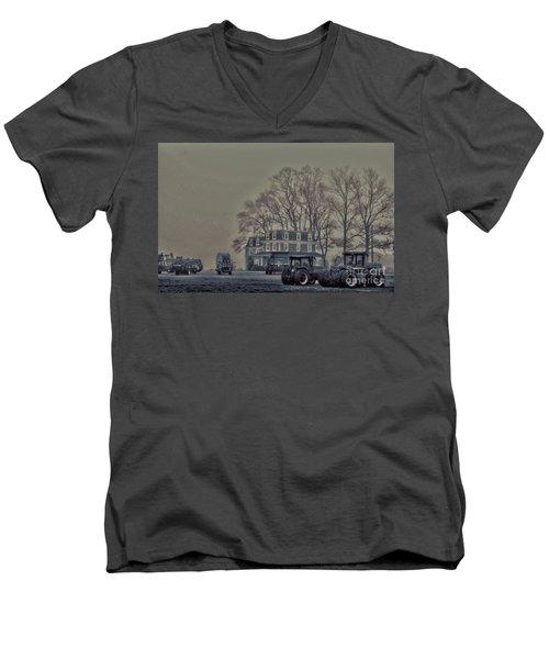 Farmhouse In Morning Fog Men's V-Neck T-Shirt by Sandy Moulder