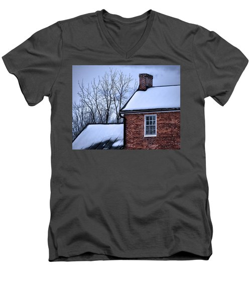 Men's V-Neck T-Shirt featuring the photograph Farmhouse Window by Robert Geary