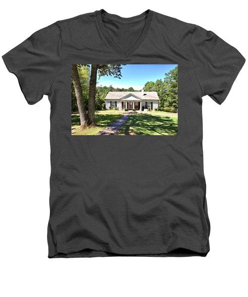 Fdr's Little White House Men's V-Neck T-Shirt