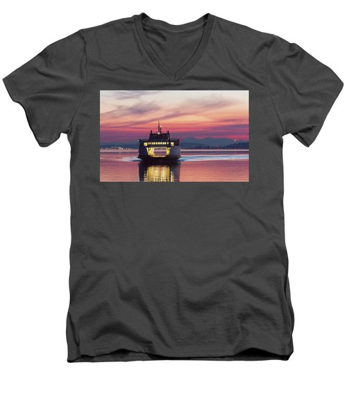 Ferry Issaquah Docking At Dawn Men's V-Neck T-Shirt