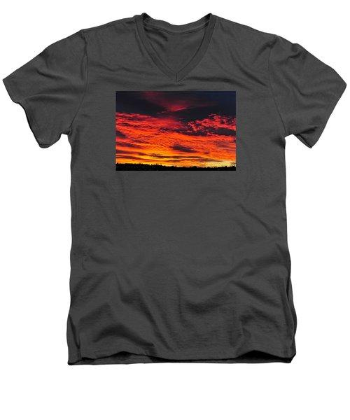 Fiery Close Of Day Men's V-Neck T-Shirt