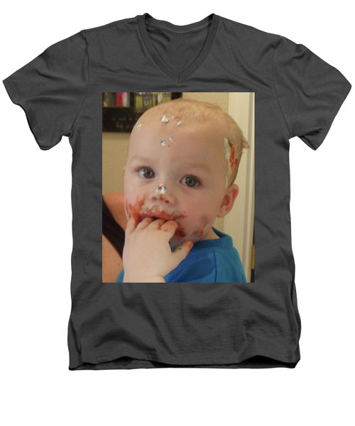 Finger Lickin Good Men's V-Neck T-Shirt