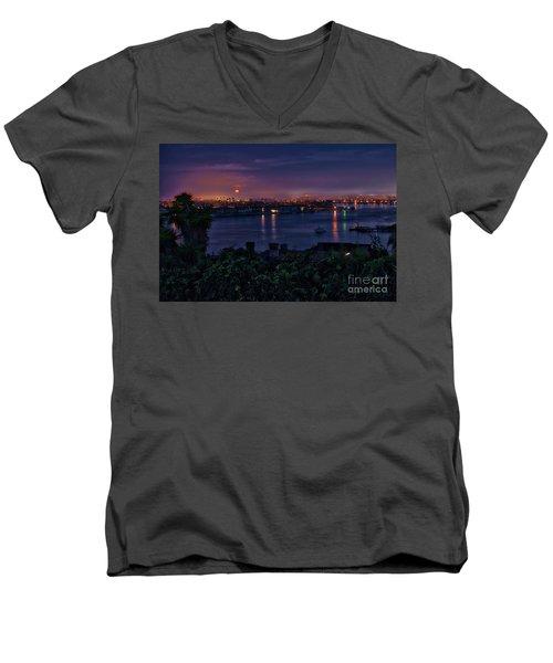 First Moonset Of 2018 Men's V-Neck T-Shirt