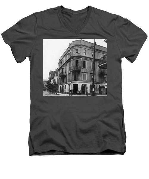 First Skyscraper Men's V-Neck T-Shirt