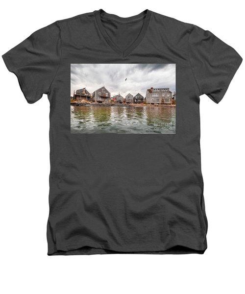 Fish Beach Men's V-Neck T-Shirt