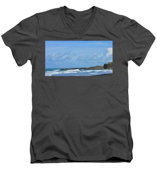 Fishing At Kare Kare Men's V-Neck T-Shirt