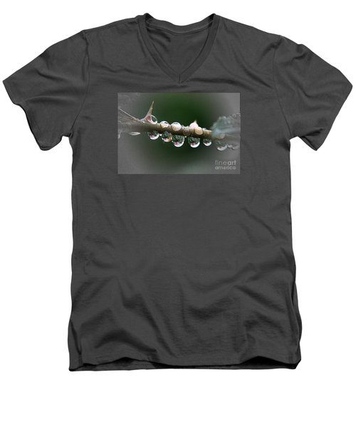 Five Droplets Men's V-Neck T-Shirt