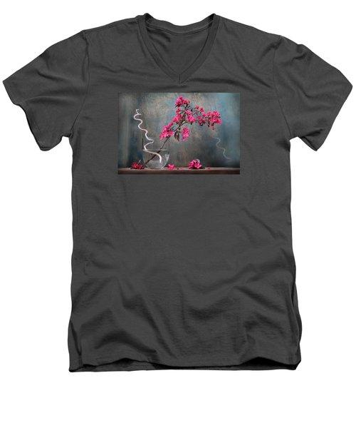 Fleur Men's V-Neck T-Shirt
