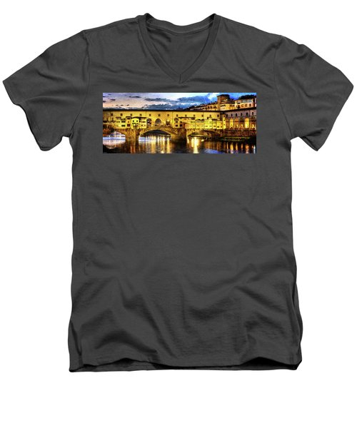 Florence - Ponte Vecchio Sunset From The Oltrarno - Vintage Version Men's V-Neck T-Shirt