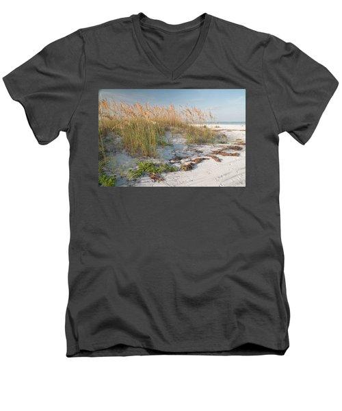 Florida Beach And Sea Oats Men's V-Neck T-Shirt