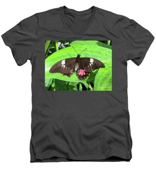 Flower Imprint On Wing Men's V-Neck T-Shirt