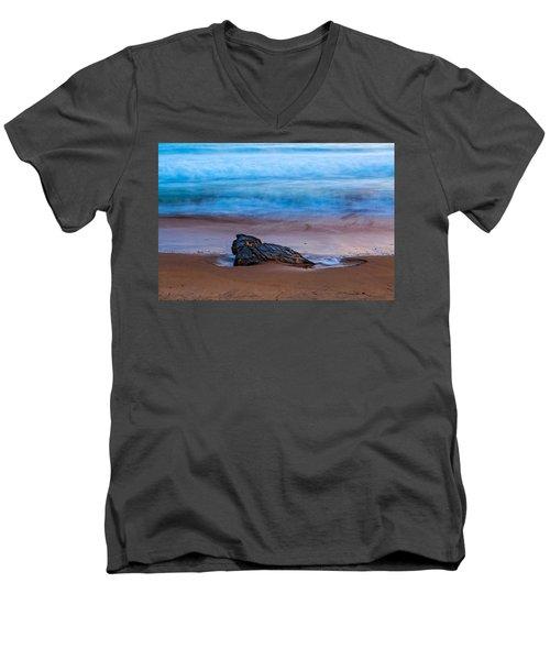 Focus Men's V-Neck T-Shirt