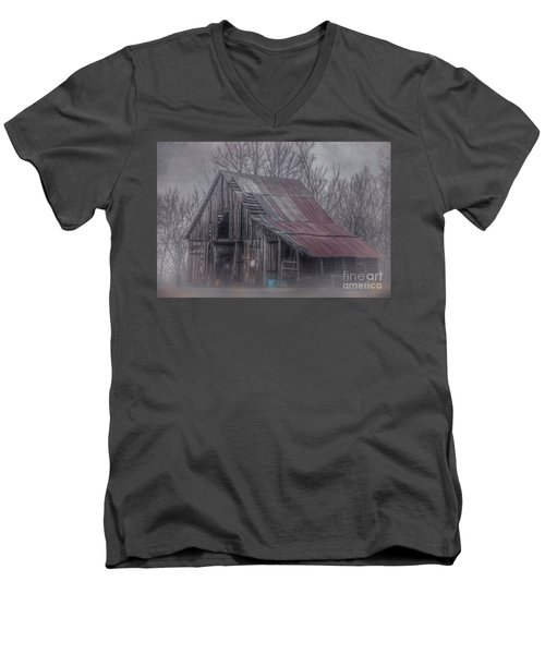 Foggy Morning Backroads Men's V-Neck T-Shirt