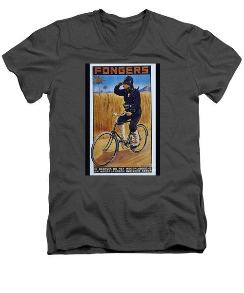 Fongers In Gebruik Bil Nederlandsche En Nederlndsch Indische Leger Vintage Cycle Poster Men's V-Neck T-Shirt