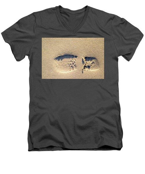 Foot Print Men's V-Neck T-Shirt