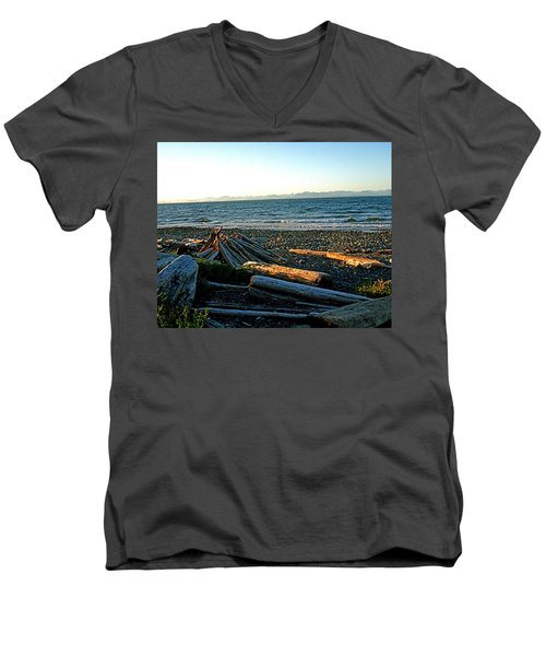 Fort Driftwood - Vancouver Island - Bc Men's V-Neck T-Shirt