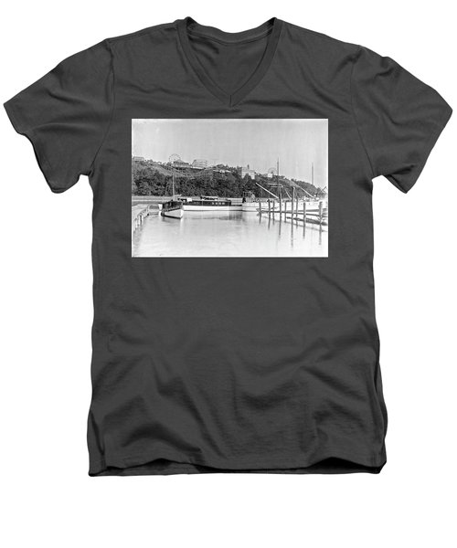 Men's V-Neck T-Shirt featuring the photograph Fort George Amusement Park by Cole Thompson