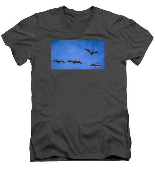 Four Pelicans Men's V-Neck T-Shirt