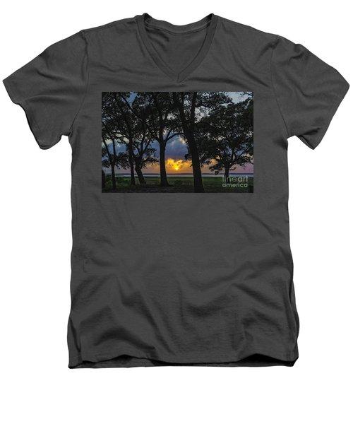 Framed Men's V-Neck T-Shirt