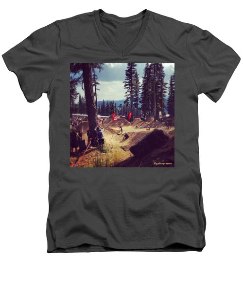 Freestyling Mtb Men's V-Neck T-Shirt