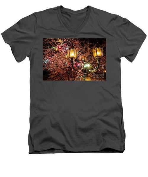 Christmas Lamp Men's V-Neck T-Shirt