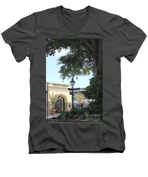 French Market Men's V-Neck T-Shirt