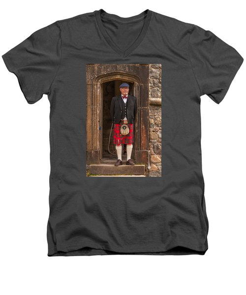 French Scotsman Men's V-Neck T-Shirt