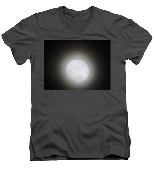 Full Moon Ring Men's V-Neck T-Shirt