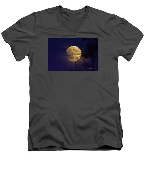 Men's V-Neck T-Shirt featuring the photograph Full Moon Rise  by Stephen  Johnson
