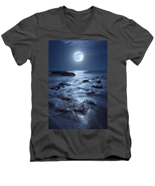 Full Moon Rising Over Coral Cove Beach In Jupiter, Florida Men's V-Neck T-Shirt