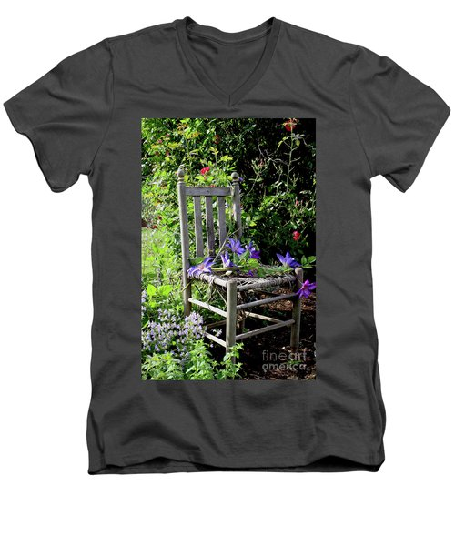 Garden Chair Men's V-Neck T-Shirt