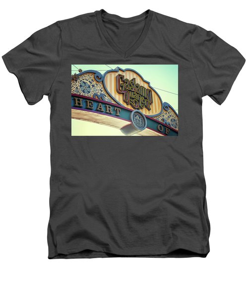 Gaslamp Close Up Men's V-Neck T-Shirt