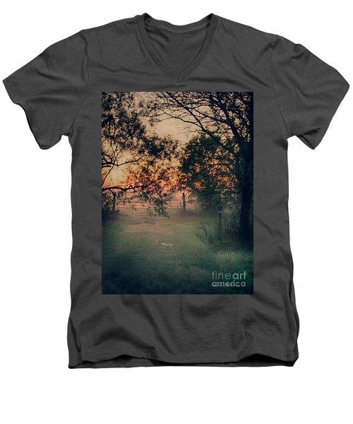 Gated Sunset Men's V-Neck T-Shirt