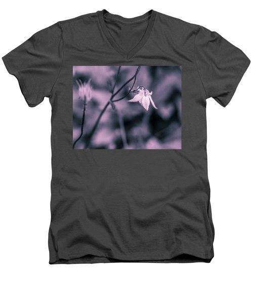 Gentle Men's V-Neck T-Shirt