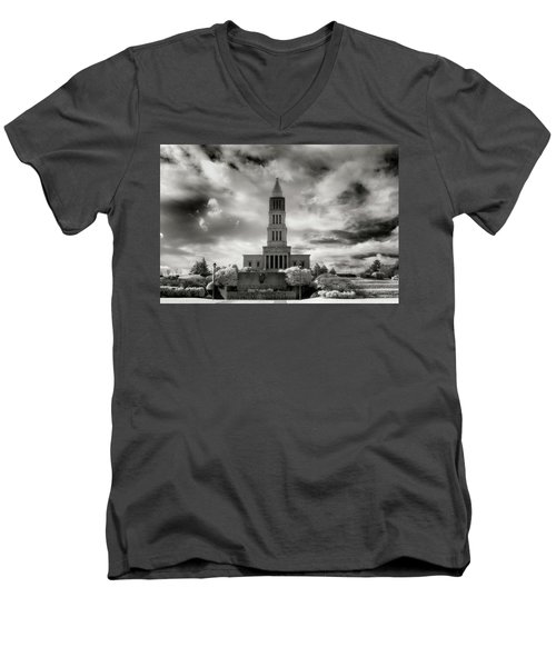 George Washinton Masonic Memorial Men's V-Neck T-Shirt by Paul Seymour