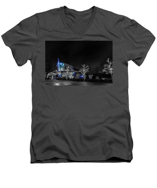 Georgia Aquarium Men's V-Neck T-Shirt
