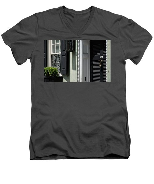 Georgian Gem Men's V-Neck T-Shirt