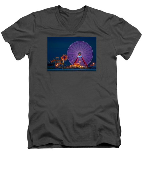 Giant Ferris Wheel Men's V-Neck T-Shirt