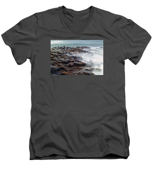 Giants Causeway Men's V-Neck T-Shirt