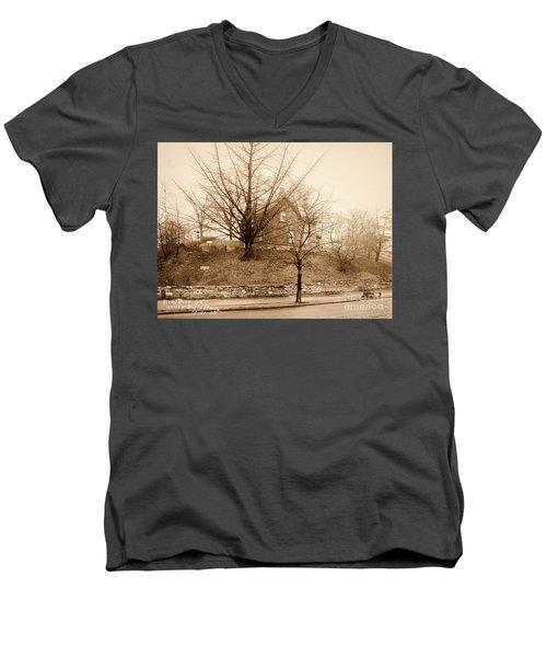 Ginkgo Tree, 1925 Men's V-Neck T-Shirt