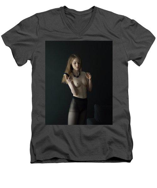 Girl Brushes Her Hair Men's V-Neck T-Shirt